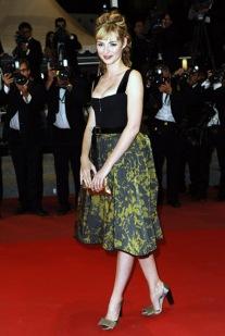 """Montee des Marches du film """"Copie Conforme"""". 63eme Festival de Cannes 2010. Louise Bourgoin"""